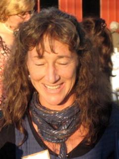 Kathy Leo